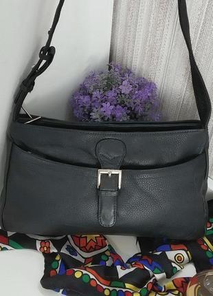 Практичная сумка, натуральная кожа.
