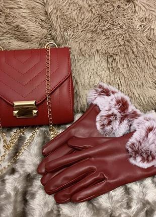 Бордовые перчатки с мехом