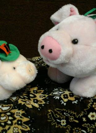 Мягкая игрушка свинка в шляпе и с цветочком с Европы