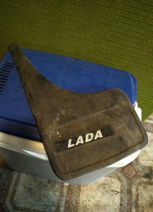 Бризговик Lada (лівий)