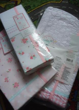 Набор фирменного постельного белья для детской кроватки