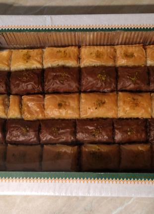 Пахлава с какао , волошским орехом и фисташкой Amanti  1кг