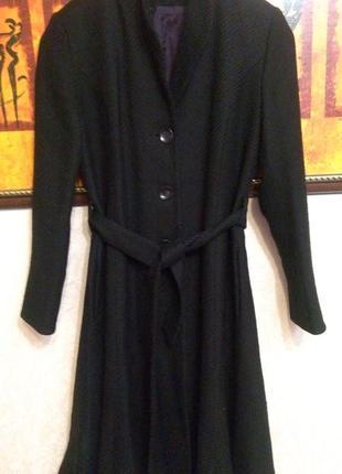 Шерстяное пальто элегантное