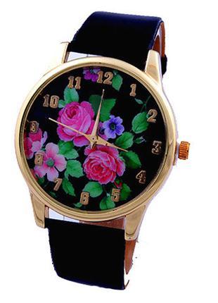 Наручные часы с розами на циферблате черные