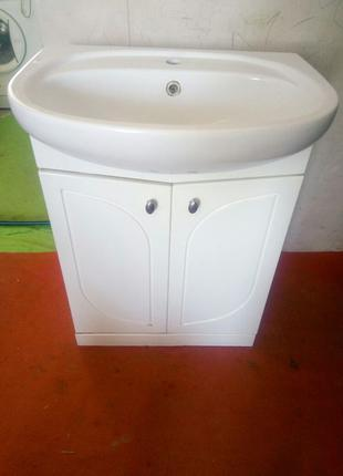 Умывальник рукомойник в ванную комнату с тумбочкой