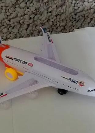 Самолет конструктор Airbus  А380-200 звук свет ездит
