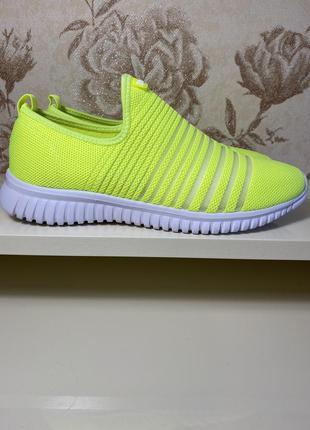 Обувь кроссовки женские 39 размер