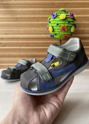 Ортопедичні босоніжки для хлопчика, каблук томаса, летняя обувь