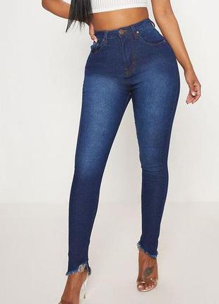 Шикарные стрейчевые джинсы скинни с фигурным низом высокая пос...