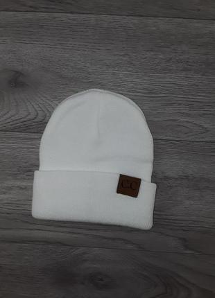 Белая шапка, шапка на ог 44-48