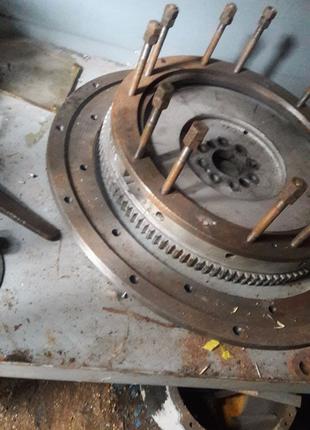 Переходная плита с маховиклмна двигатель