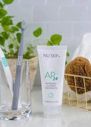 Отбеливающая зубная паста от Nu Skin AP 24