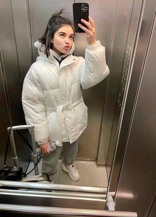 Куртка с поясом белая