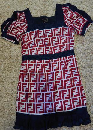 Элегантное платье в стиле fendi р.s/xs, шелк