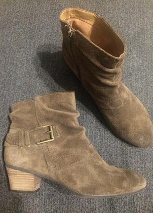 Clarks замшевые ботинки ботильоны