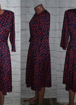 Платье из плотного шифона с боковыми карманами