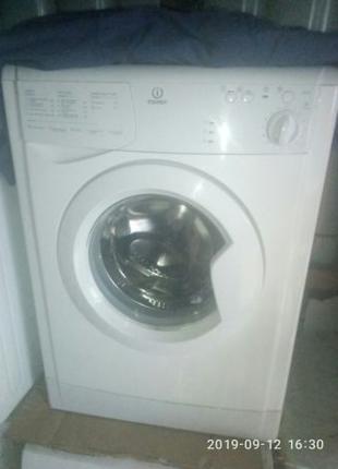 Стиральная машина стиралка Индезит INDESIT WIU81 800 оборотов раб