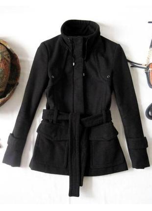 Черное пальто zara осеннее полупальто с поясом воротник стойка