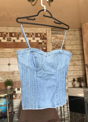 Майка джинсовая корсетом идет стильная на бретельках