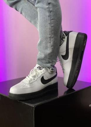 Мужские кроссовки nike черно-белого цвета