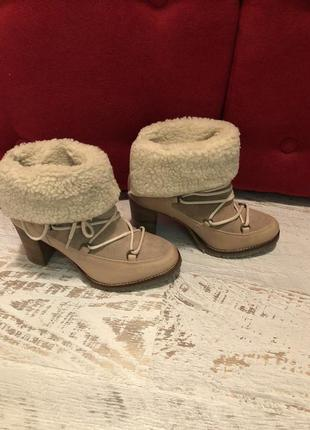 Кожаные женские ботинки на меху женские 37р