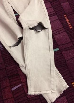 Варенки джинсы белые рваные стильные джинсы