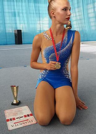 Велюровый голубой купальник для художественной гимнастики