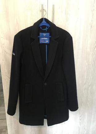 Трендовое шерстяное пальто от superdry