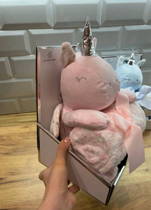 Плед- игрушка в подарочной упаковке