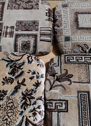Чехлы/Накидки на табуретки ковровые на резинке с поролоном