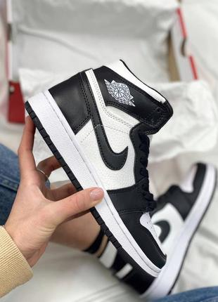 Женские кроссовки nike air jordan retro high black white