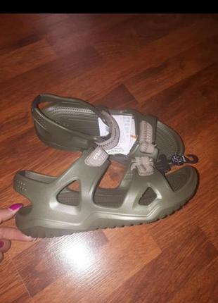 Сендали crocs
