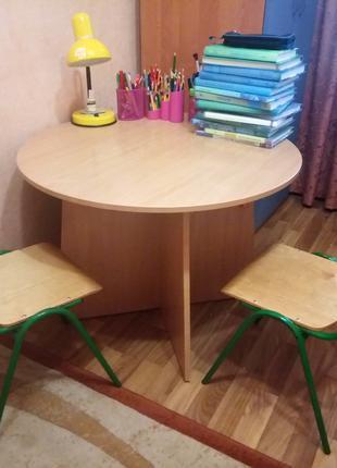 Стол детский со стульями
