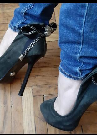 Туфли на высоком каблуке. Замшевые туфли.