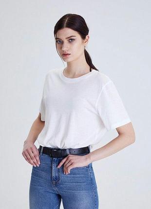 Белая футболка