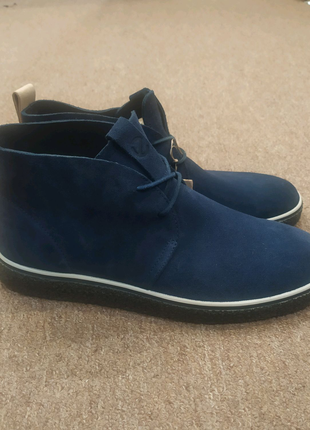 Кожаные демисезонные ботинки ecco crepetray chukka