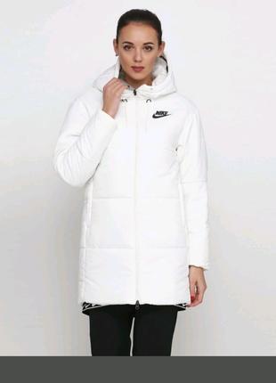 Курточка Nike