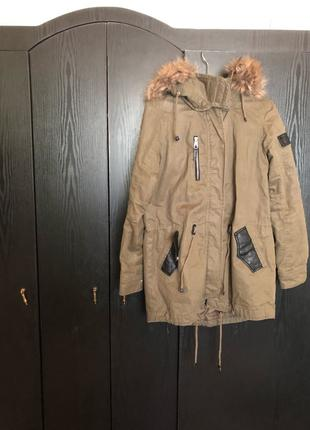 Куртка женская Bershka