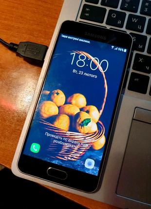 Смартфон телефон Samsung Galaxy A3 (NFC version, 1 SIM)