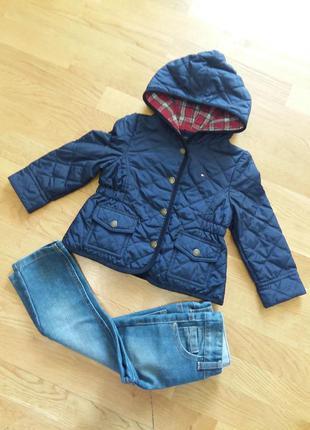 Стеганная куртка дождевик tommy hilfiger на 2 года приталенная