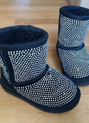 Зимние сапоги ботинки в стразах ugg yanafang 28 размер