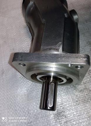 Гидромоторы гидронасосы 310.12.01.00 новые.