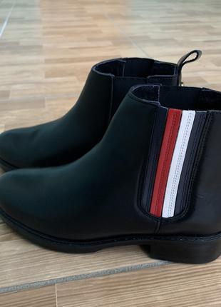 Женские черные кожаные полуботинки TOMMY HILFIGER, 36 размер