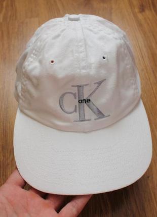 Винтажная кепка 90х известный бренд узнаваемый calvin klein