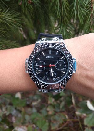 Новые модные часы черные с серебристым циферблатом
