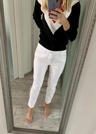 Джинсы белые рваные джинсы