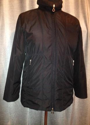 Куртка демисезонная черная р-р 54