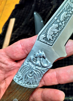Охотничий нож лев,новый , стильный и качественный