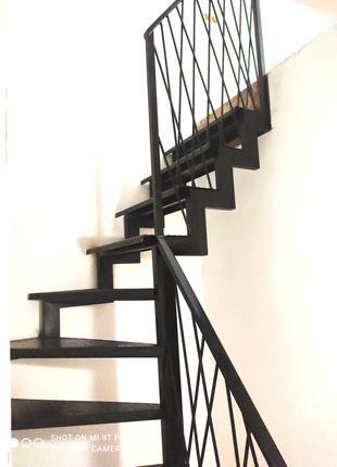 Лестницы из металла и металлические каркасы для деревянных лестни