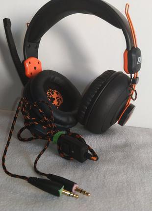 ADX якісні навушники зроблені для UK.
